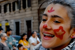 Foto di Valentina Perniciaro -colori e grida di piazza-