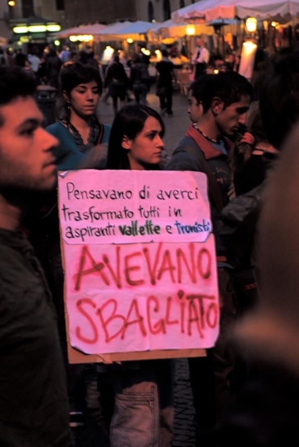 foto di Valentina Perniciaro _studenti assediano il Senato_