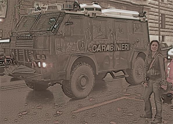 Foto di Valentina Perniciaro _Tank e donzelle allo sciopero generale_
