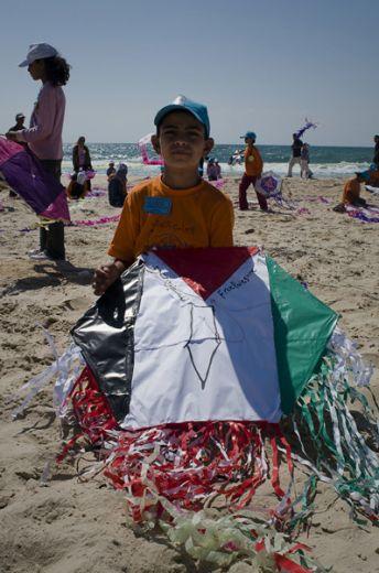 Per un giorno Gaza non entra nel Guinness dei primati per la sperimentazione di armi, per il numero di morti civili in un raid, per la quantità di bambini uccisi sotto i 9 anni. Per una volta il Guinness della Striscia di Gaza è di colori...